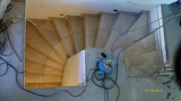 kraski fliesen treppensanierung treppen natursteintreppen au entreppen. Black Bedroom Furniture Sets. Home Design Ideas